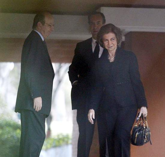 Elena de Borbón,  Infanta de España - Página 19 Reina-sofia1-z