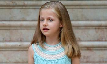 Leonor saluda a la prensa por primera vez como Princesa de Asturias