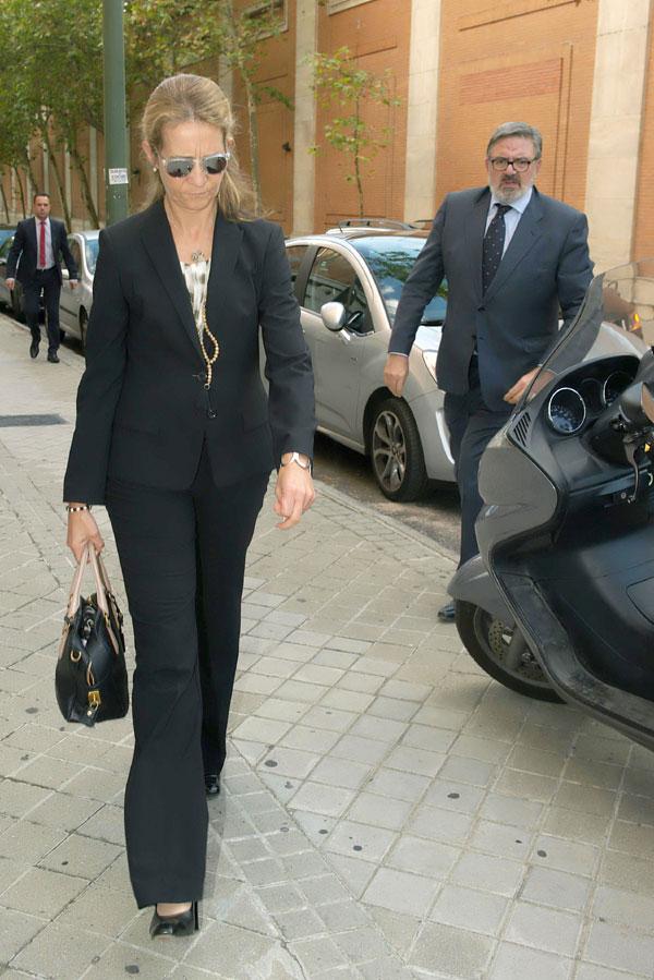 La infanta Elena acude al funeral del que fue su entrenador de hípica, Manuel Malta da Costa