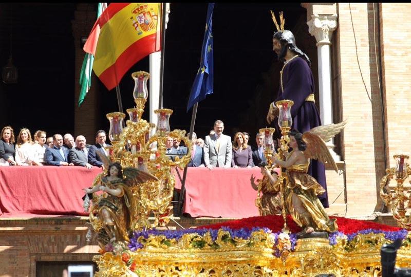 Comienza la semana santa de la familia real el rey siente for Alquiler de apartamentos en sevilla para semana santa