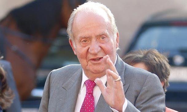 El rey Juan Carlos sorprende a los oyentes de la radio hablando en directo