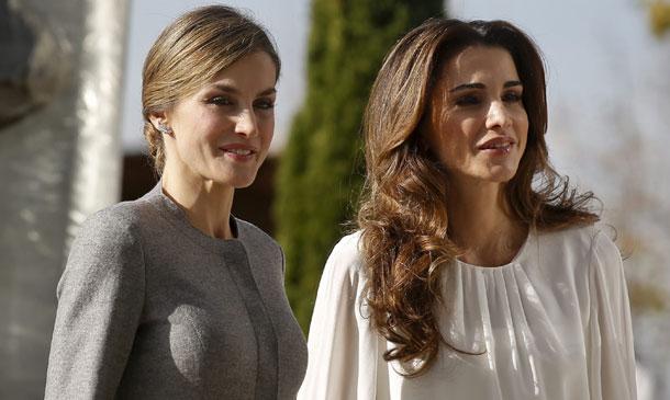 Los Reyes comparten con Abdalá y Rania de Jordania un almuerzo de trabajo en el Palacio Real