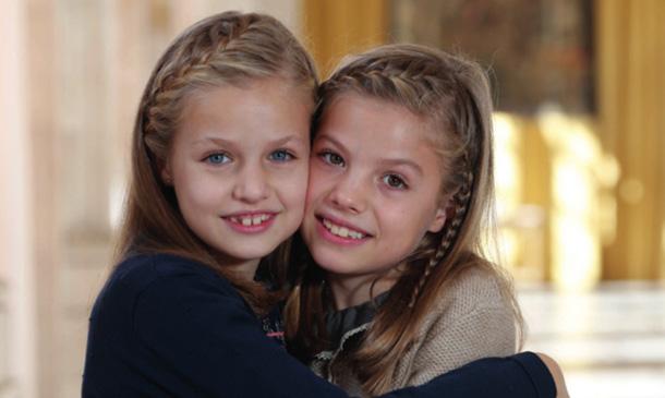 Los Reyes nos felicitan la Navidad con una bonita imagen de sus hijas