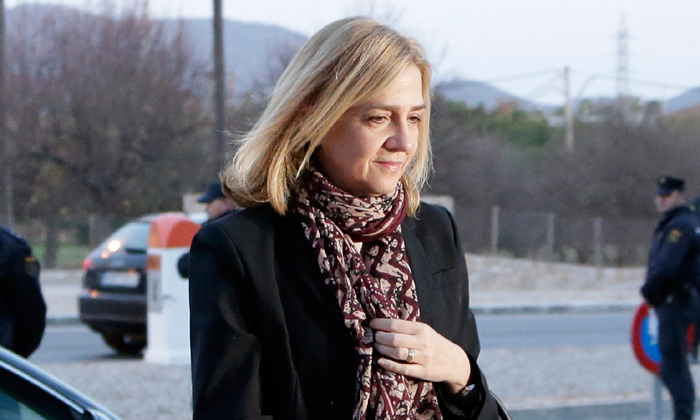 El Ayuntamiento de Barcelona retira la Medalla de Oro de la Ciudad a la infanta Cristina