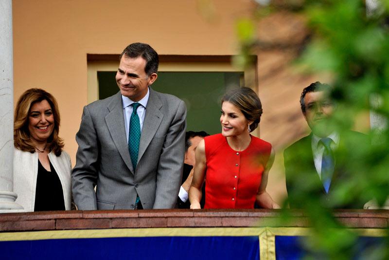 Los reyes demuestran c mo hacer perfecto un d a de lluvia - Casa de los reyes de espana ...