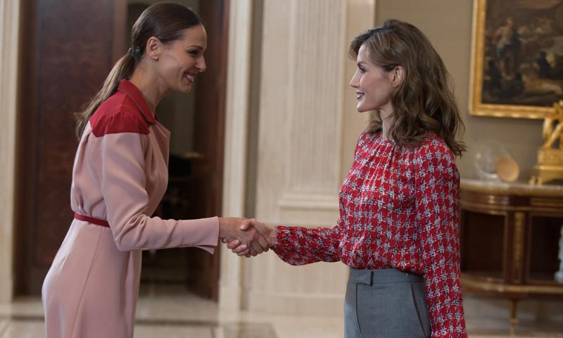 ¿Por qué se han reunido la Reina Letizia y Eva González?