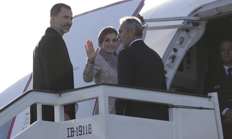 Primer viaje de Estado de los Reyes 25 días después de la formación del nuevo Gobierno a Portugal