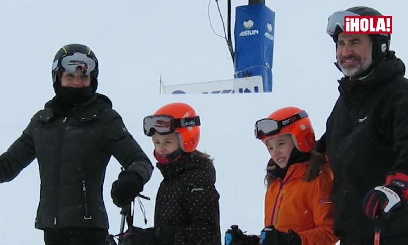 En vídeo: La soltura de la princesa Leonor y la infanta Sofía esquiando