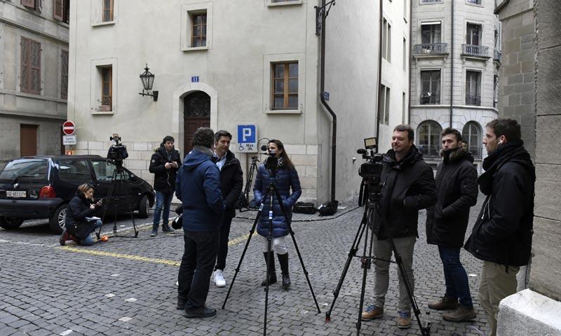 Expectación a las puertas de la casa de la infanta Cristina minutos antes de conocerse la sentencia