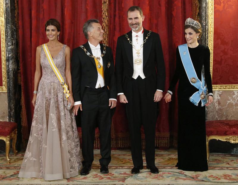 Cena de gala en el palacio real en honor a mauricio macri - Casa de los reyes de espana ...