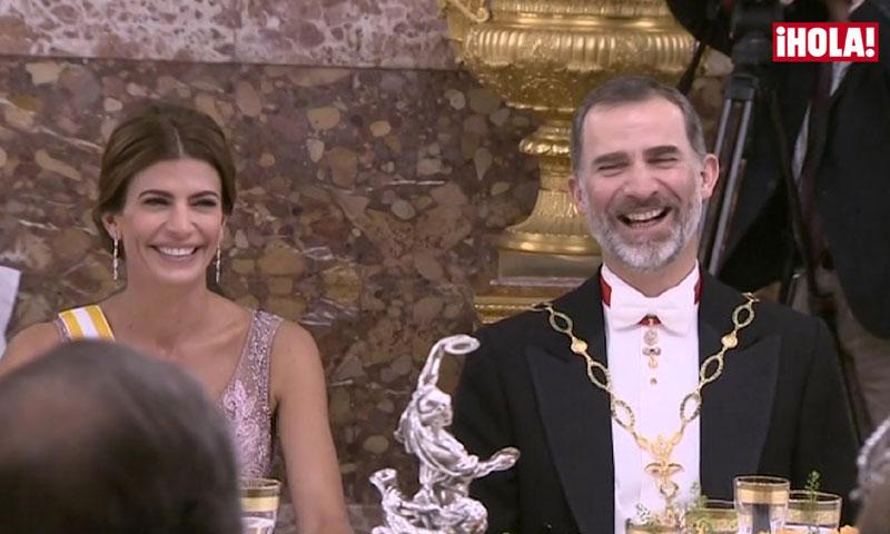 La corrección a tiempo de la Reina, la simpática broma del Presidente sobre su hija Antonia... las anécdotas para la posteridad de una gran cena de gala