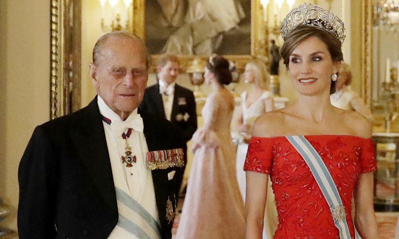 El esperado encuentro entre doña Letizia y la Duquesa de Cambridge que vimos gracias a una puerta abierta