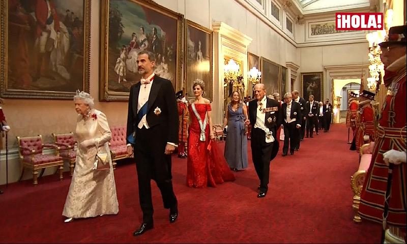 En vídeo: Isabel II ofrece una histórica Cena de Estado en honor de los reyes Felipe y Letizia