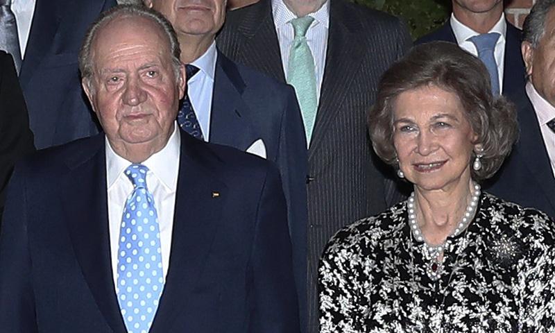 Los Reyes eméritos presiden la cena de gala del Círculo de Empresarios