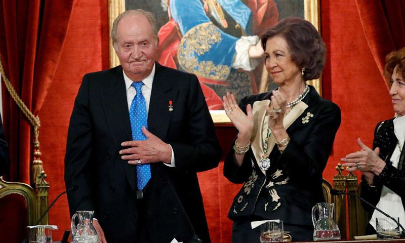 El Rey Juan Carlos, junto a Doña Sofía, homenajeado por su 80 cumpleaños en la Real Academia de la Historia