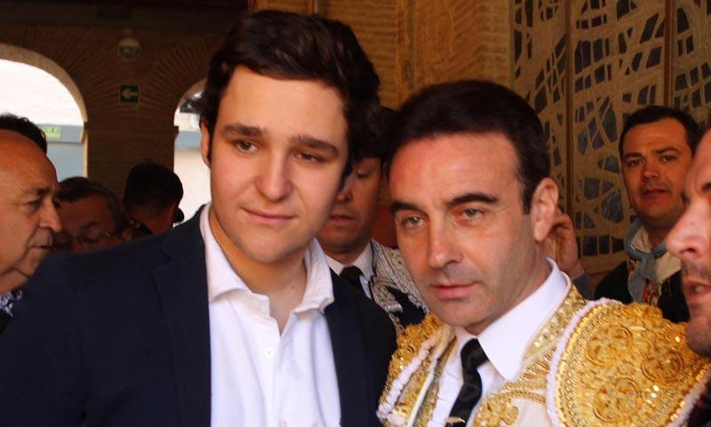 Felipe de Marichalar aplaude el éxito de Enrique Ponce en la feria de fallas