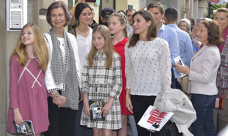 El plan familiar de la reina Letizia con sus hijas, su madre y doña Sofía antes de irse de viaje