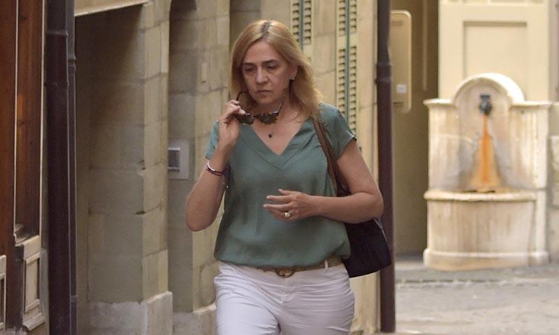 Primeras imágenes de la infanta Cristina tras el ingreso en prisión de Iñaki Urdangarin