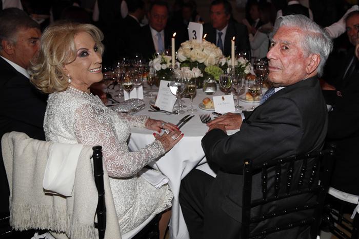 El Matrimonio Macri Ofrece Una Cena De Gala A Los Reyes Con Valeria Mazza Mario Vargas Llosa Y Pimpinela Como Invitados