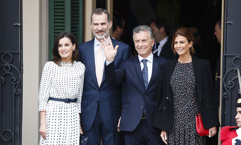 Los Reyes finalizan sus intensos tres días en Argentina con la colectividad española en Córdoba