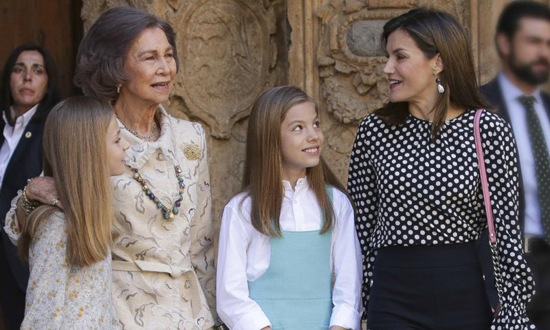 Se cumple un año del desencuentro real en Palma: los gestos de doña Sofía y doña Letizia desde entonces
