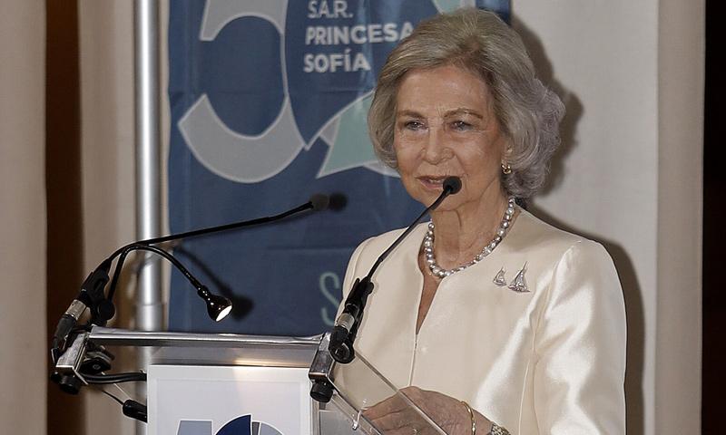 Doña Sofía, la reina de las regatas en el 50 aniversario del Trofeo de Vela