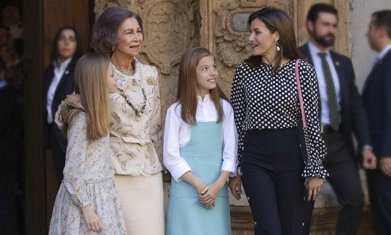 Las imágenes del desencuentro entre doña Letizia y doña Sofía que acaparó todos los titulares