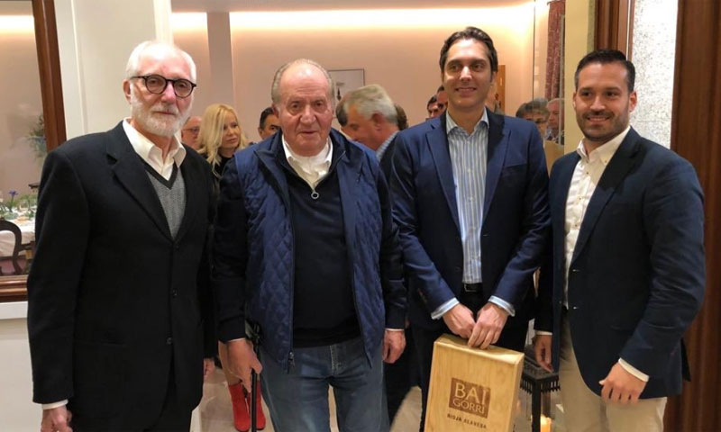 ¡Maridaje de vino y gastronomía! El nuevo plan del rey Juan Carlos en Galicia