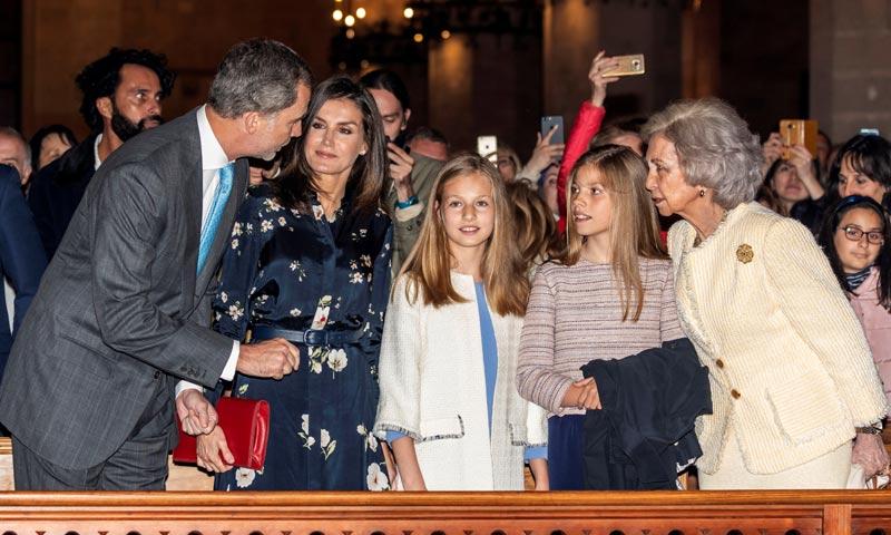 Sonrisas y confidencias en la Catedral de Palma para dejar atrás las rencillas del año pasado