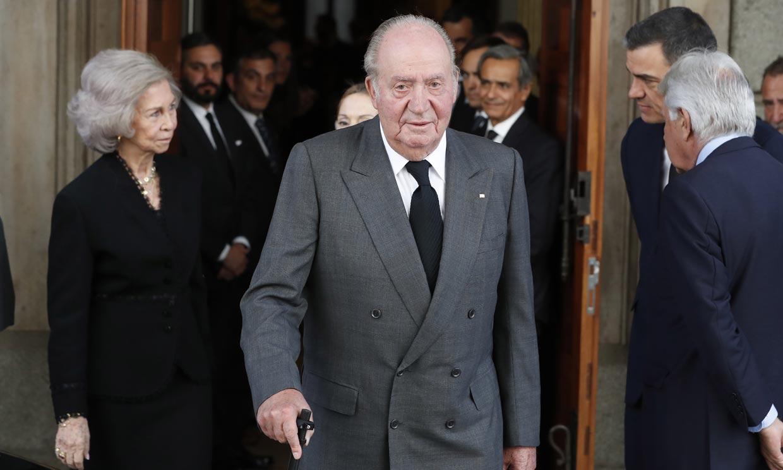 Don Juan Carlos y doña Sofía acuden a dar al último adiós a Alfredo Pérez Rubalcaba