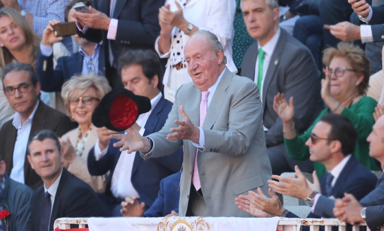 Don Juan Carlos se despedirá de la vida pública por 'la puerta grande', ¿seguirá sus pasos doña Sofía?