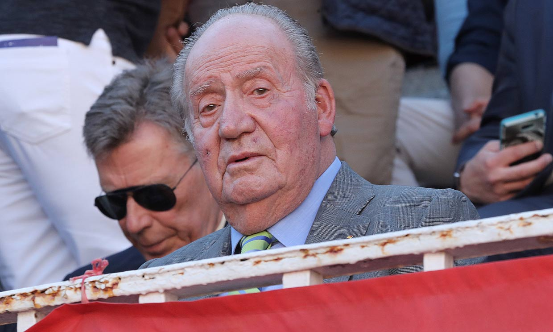 Don Juan Carlos reaparece en los toros tras el anuncio de su retirada de la vida pública