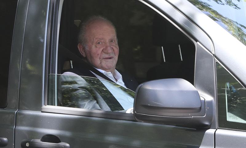 Don Juan Carlos disfruta de una comida familiar y entre amigos antes de su despedida