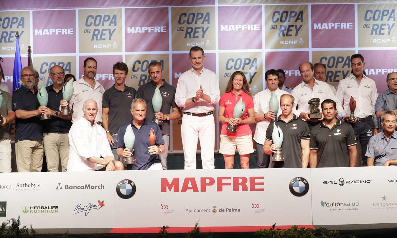 Felipe VI preside la entrega de trofeos de la Copa del Rey MAPFRE de Vela