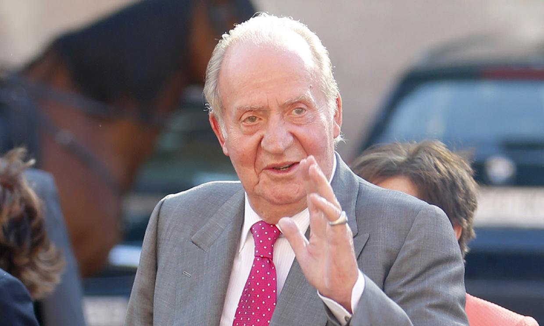 El rey Juan Carlos ya está en planta y ha 'caminado por la habitación'