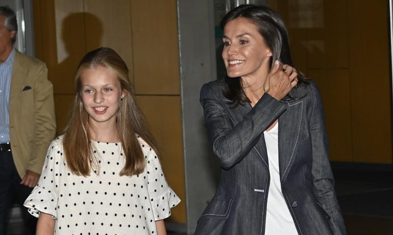 La reina Letizia y la princesa Leonor, tras visitar a don Juan Carlos: 'Ha hablado muchísimo'