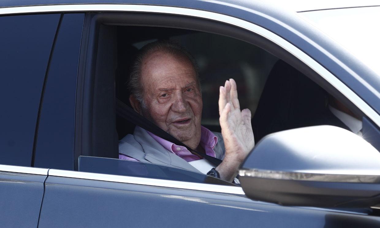 Escuchamos el buen humor de Don Juan Carlos a la salida del hospital