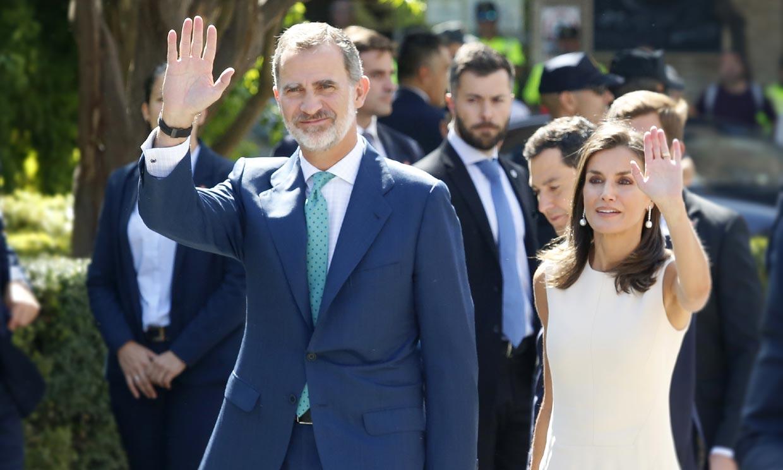 Los Reyes recuerdan en Sevilla 'el viaje más largo del mundo'