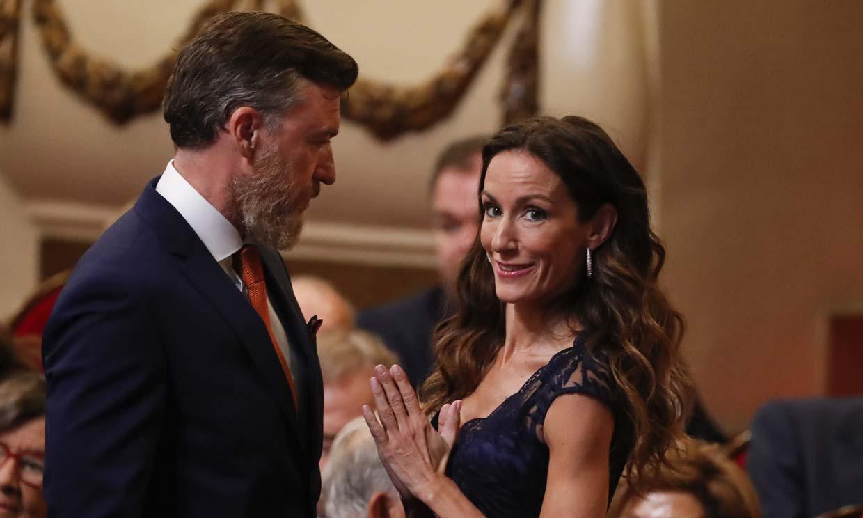 Telma Ortiz, con una imagen 'rompedora', aparece públicamente junto a su novio Robert Gavin Bonnar