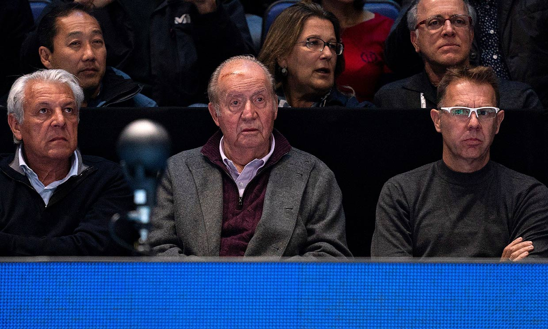 Zarzuela aclara cómo se hizo el rey Juan Carlos su gran brecha en la frente