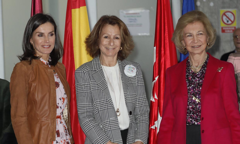 La reina Sofía y la reina Letizia, juntas de compras en la tienda más solidaria