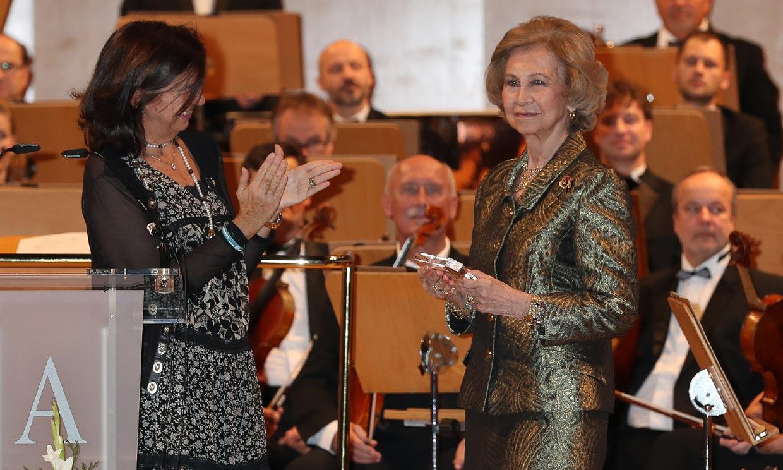 Doña Sofía, una reina 'extraordinaria' premiada por su 'sensibilidad'