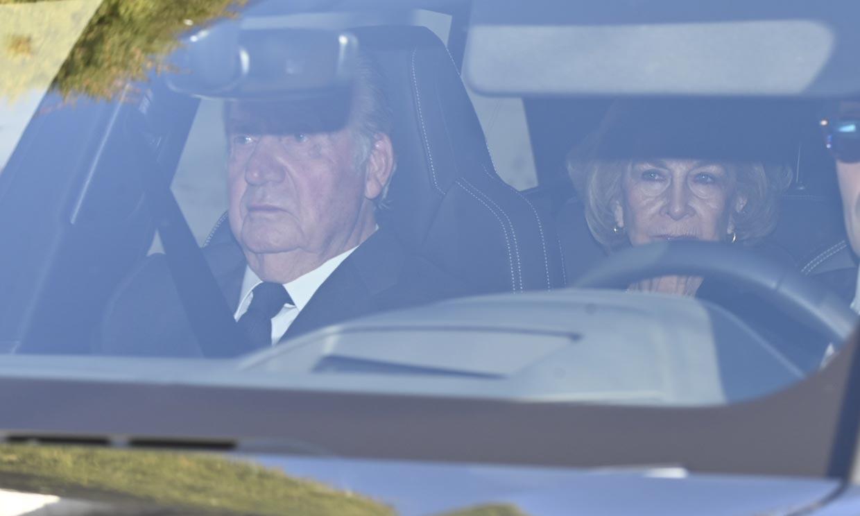 La infanta Cristina, junto a los reyes Juan Carlos y Sofía y su hermana Elena, se une a la familia en el último adiós a doña Pilar
