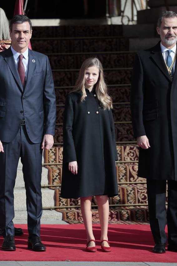 https://www.hola.com/imagenes/realeza/casa_espanola/20200203159573/reyes-felipe-letizia-princesa-leonor-infanta-sofia-apertura-legislatura/0-777-466/leonor-junco-z.jpg