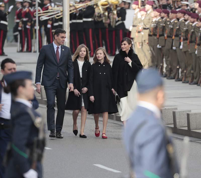 https://www.hola.com/imagenes/realeza/casa_espanola/20200203159573/reyes-felipe-letizia-princesa-leonor-infanta-sofia-apertura-legislatura/0-777-495/pedro-sanchez-junco-z.jpg