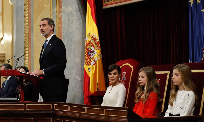 Los Reyes, en compañía de sus hijas, presiden la solemne apertura de Las Cortes