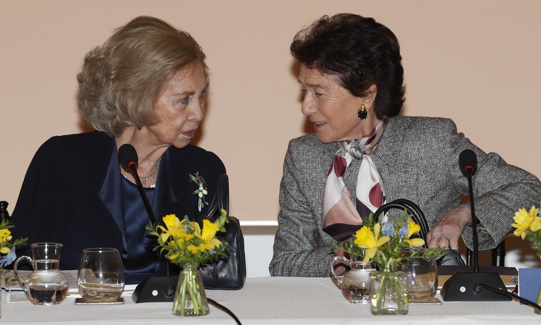 El divertido momento de Ana Botín haciendo fotos a la reina Sofía y a su madre