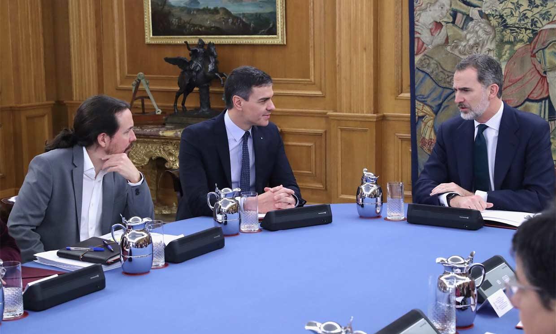 El Rey preside el Consejo de Ministros en el Palacio de la Zarzuela