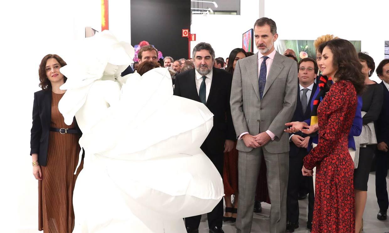 Los Reyes inauguran ARCO con el trasfondo del coronavirus