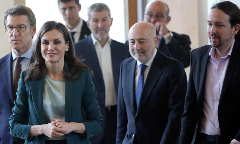 La Reina, acompañada por primera vez por Pablo Iglesias en un acto público